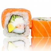 Beneficiază de  10 piese muzicale + platou de sushi!